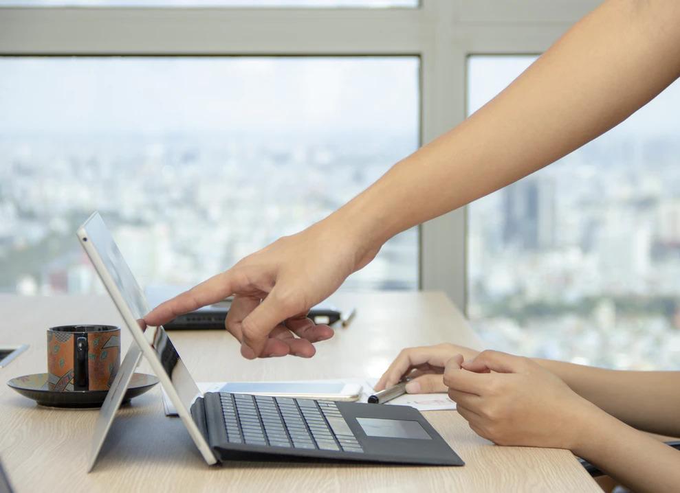Dịch vụ email marketing của ERA giúp bạn tiếp cận khách hàng tiềm năng của mình một cách nhanh chóng
